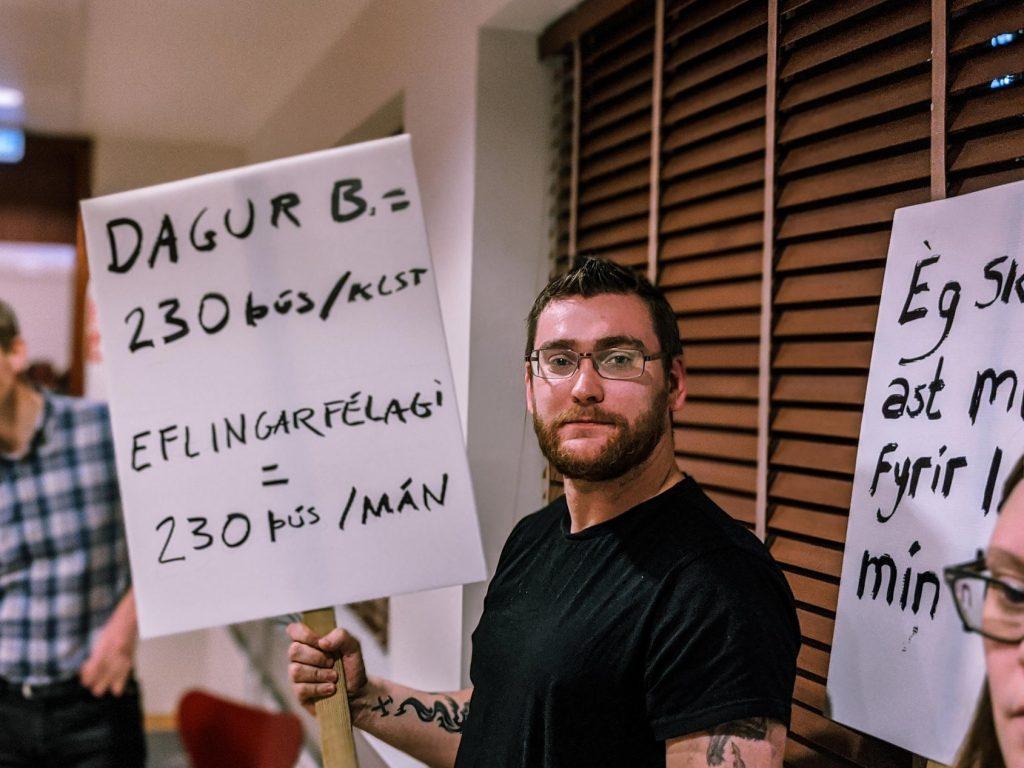 """,,Borgarstjóri fær mánaðarlaun fyrir klukkustundar fund"""""""